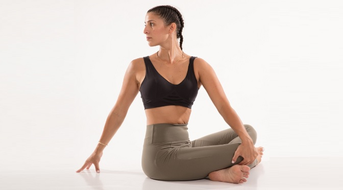 Revolved Easy Pose / Easy Seated Twist