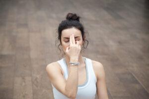 Chandra Bhedana Pranayama (Left Nostril Breathing): Benefits and Steps